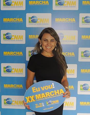 Prefeita de Bombinhas (SC) conhece plataforma da CNM e confirma presença na Marcha