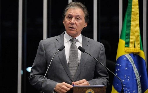 Eunício Oliveira é eleito novo presidente do Senado