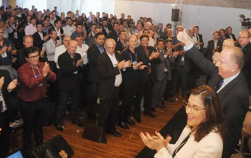 Prefeitos eleitos e reeleitos da região Sul visitam a nova sede da CNM