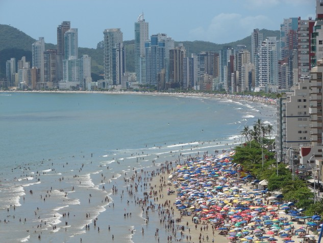 praia sol lotada 19 ebc