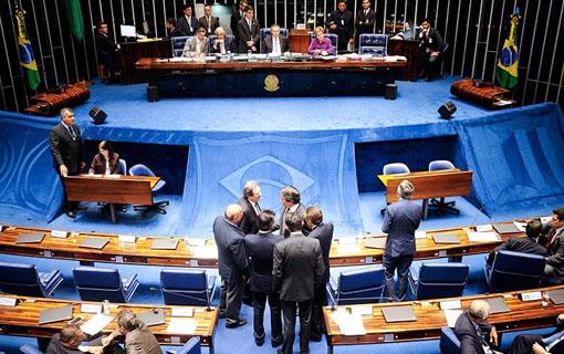 Senado aprova regime de urgência para tramitação da reforma trabalhista