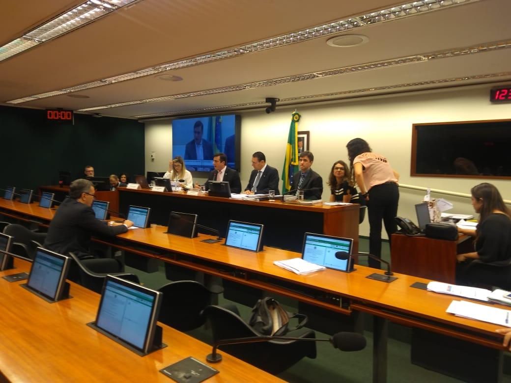 Votação da Nova Lei de Licitações fica para a próxima terça, dia da Mobilização Municipalista