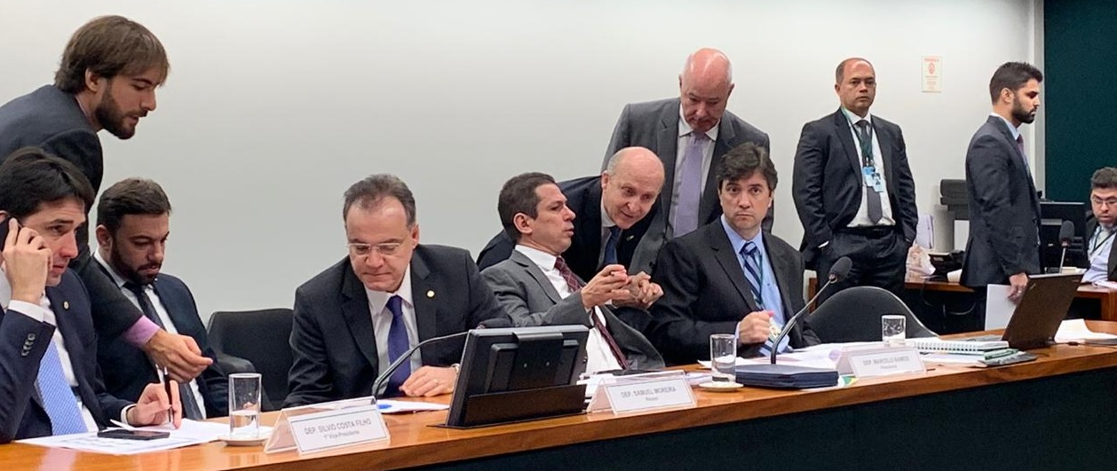 Aroldi passa na comissão especial da Previdência para reforçar importância da inclusão dos Municípios