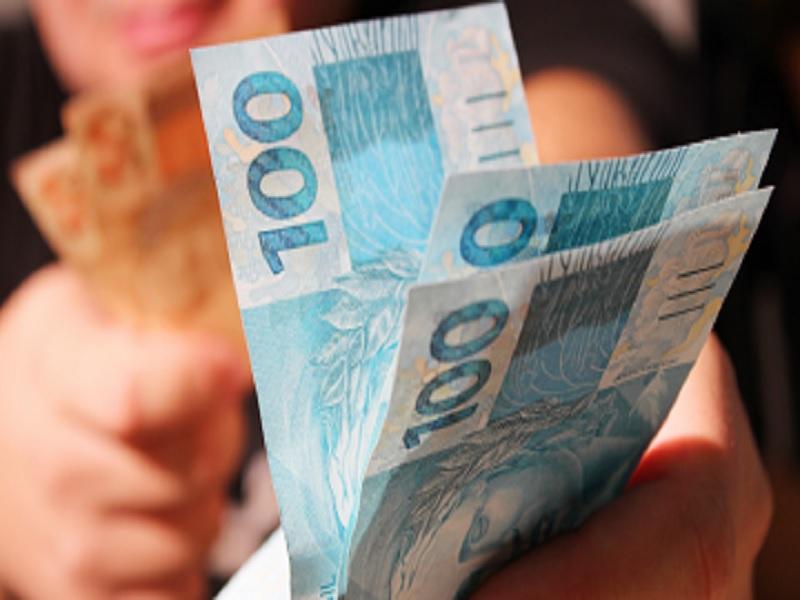 Salário mínimo será de R$ 998, conforme decreto publicado no primeiro dia do ano