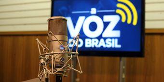 A Voz do Brasil: flexibilizado o horário de transmissão do programa tradicional do rádio