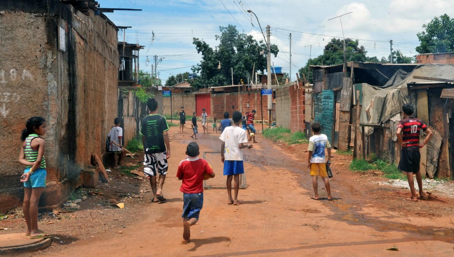 Programas de erradicação da pobreza podem ser avaliados por índice multidimensional