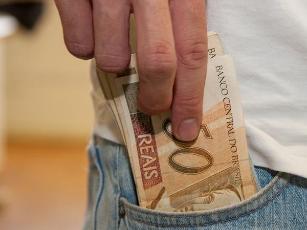 Abono salarial para nascidos em agosto começa a ser pago nesta quinta-feira, 17