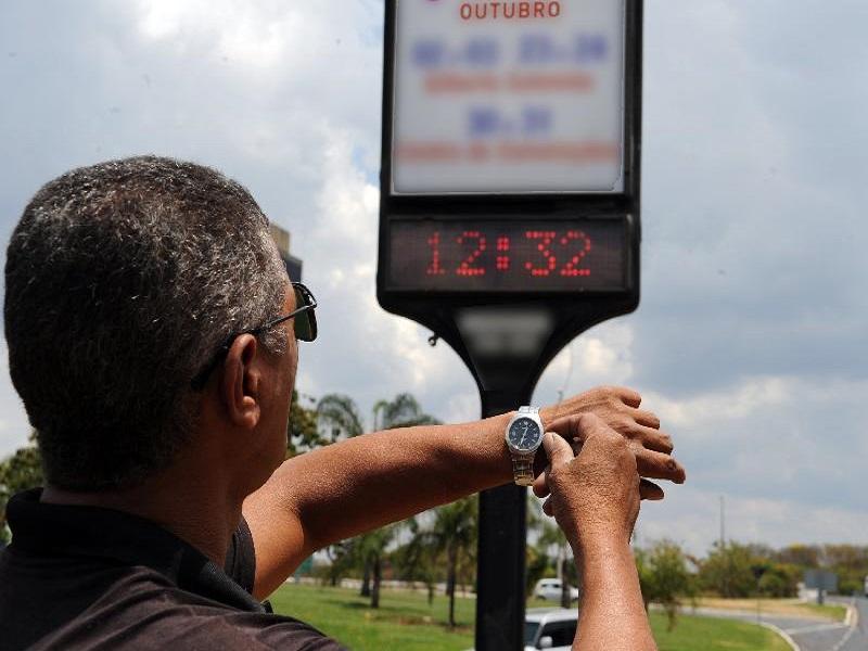 Governo decide manter horário de verão, que começa dia 15 de outubro