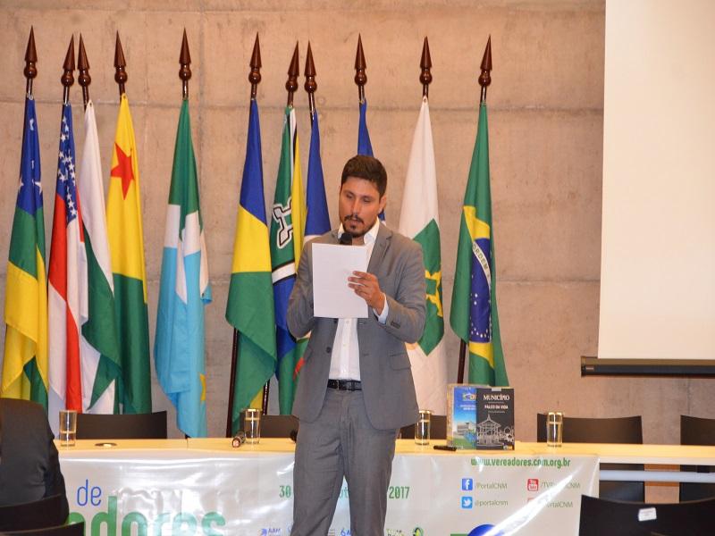 Com leitura de carta do presidente da CNM, Fórum de Vereadores em Brasília chega ao fim