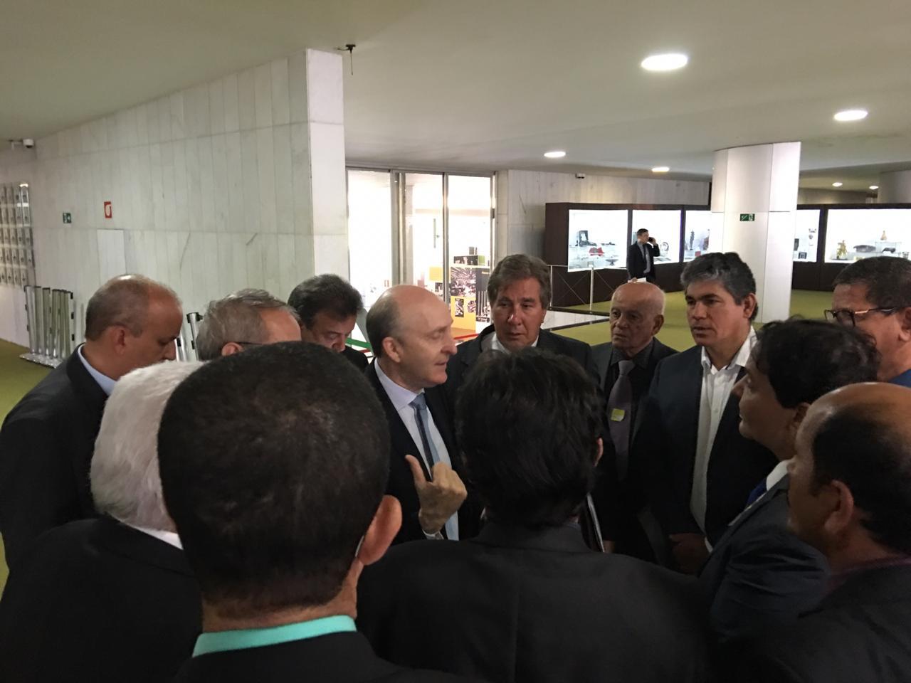 04122018 Aroldi e prefeitos baianos