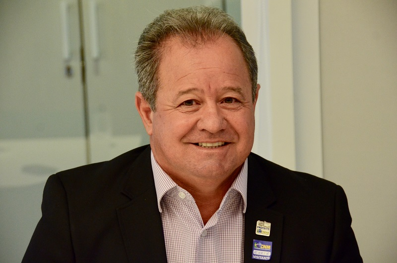 Em busca de informações sobre regime próprio de previdência, prefeito visita sede da CNM