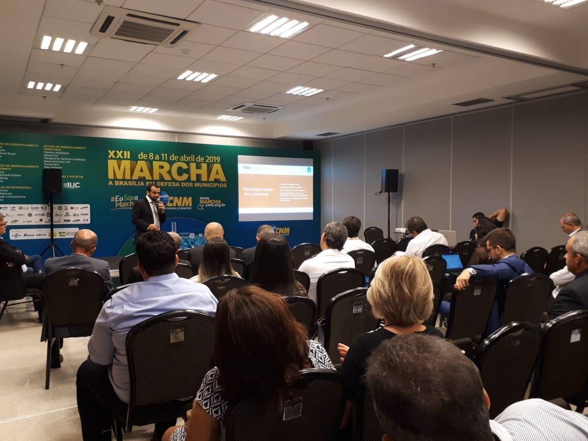 Municipalistas participam de palestras sobre inovações público-privadas
