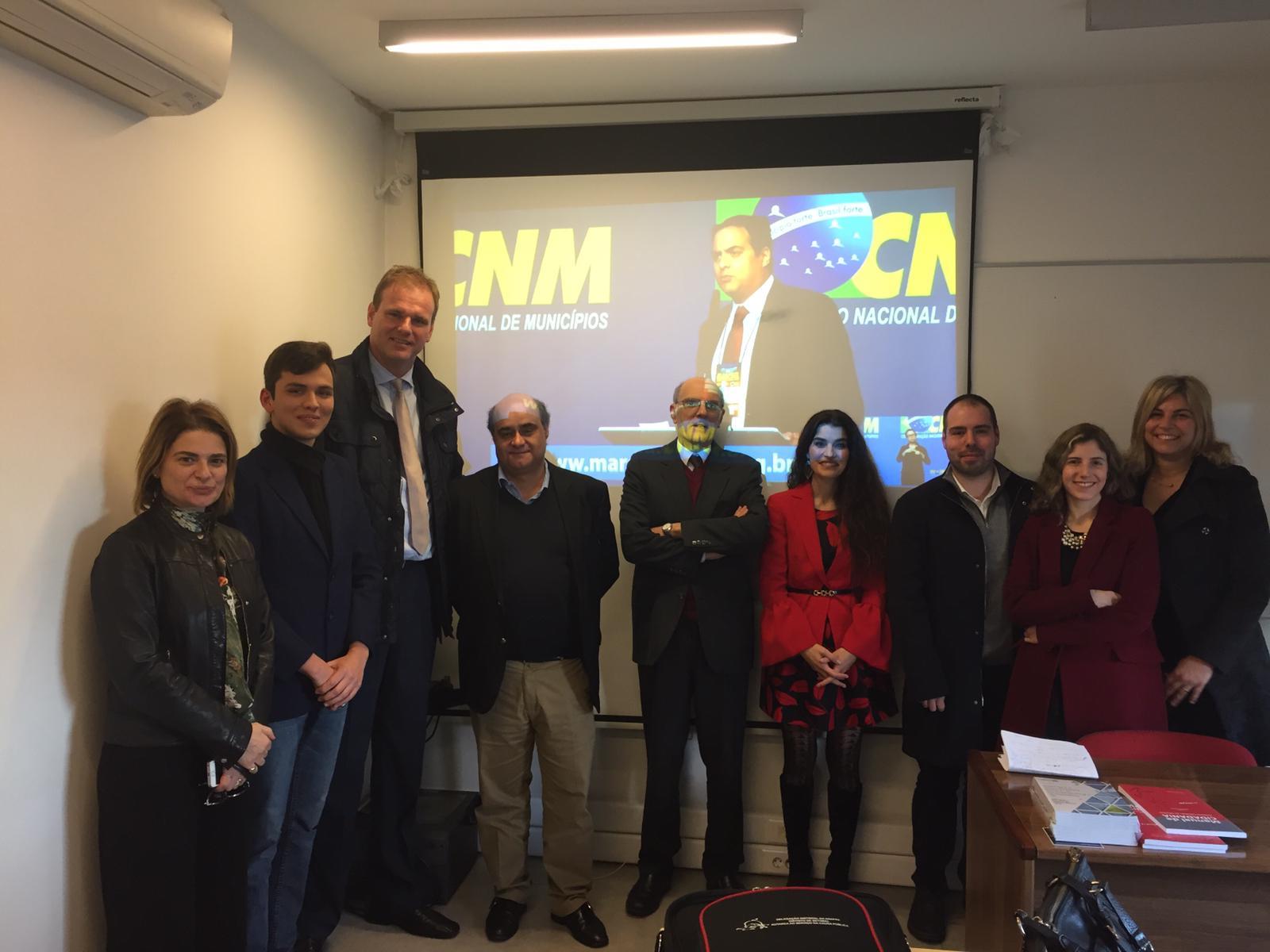 Evento municipalista foi acompanhado por acadêmicos de Portugal e da Espanha
