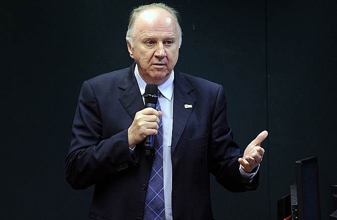 """""""Prefeituras investem hoje 22,5% de sua arrecadação em saúde"""", afirma Ziulkoski"""