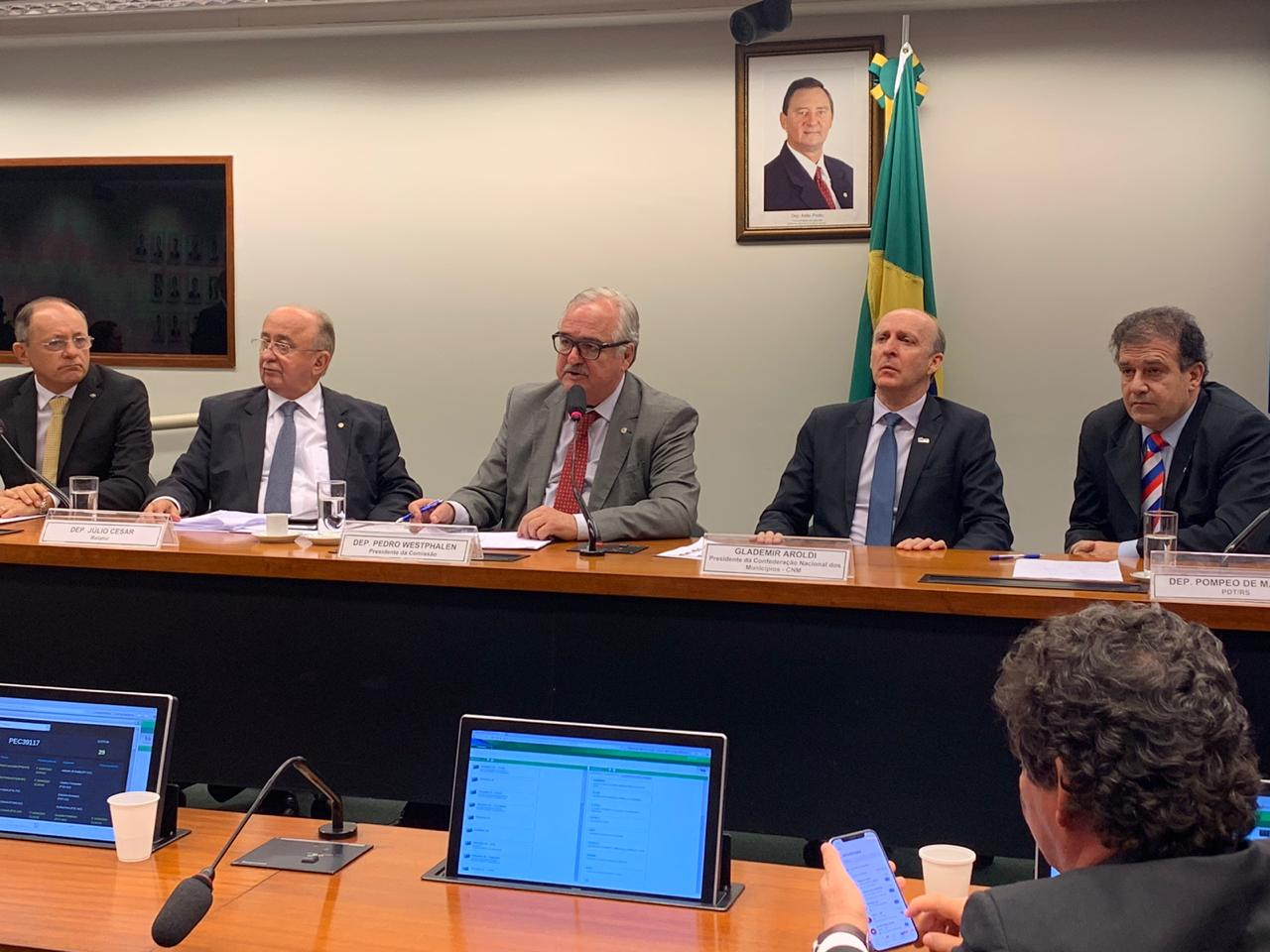 Comissão especial aprova PEC do 1% do FPM e CNM acredita em aval do Congresso antes do recesso