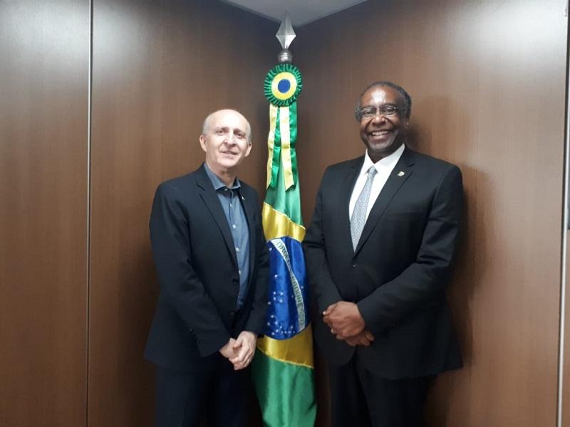Obras inacabadas são tema de reunião entre Aroldi e presidente do FNDE