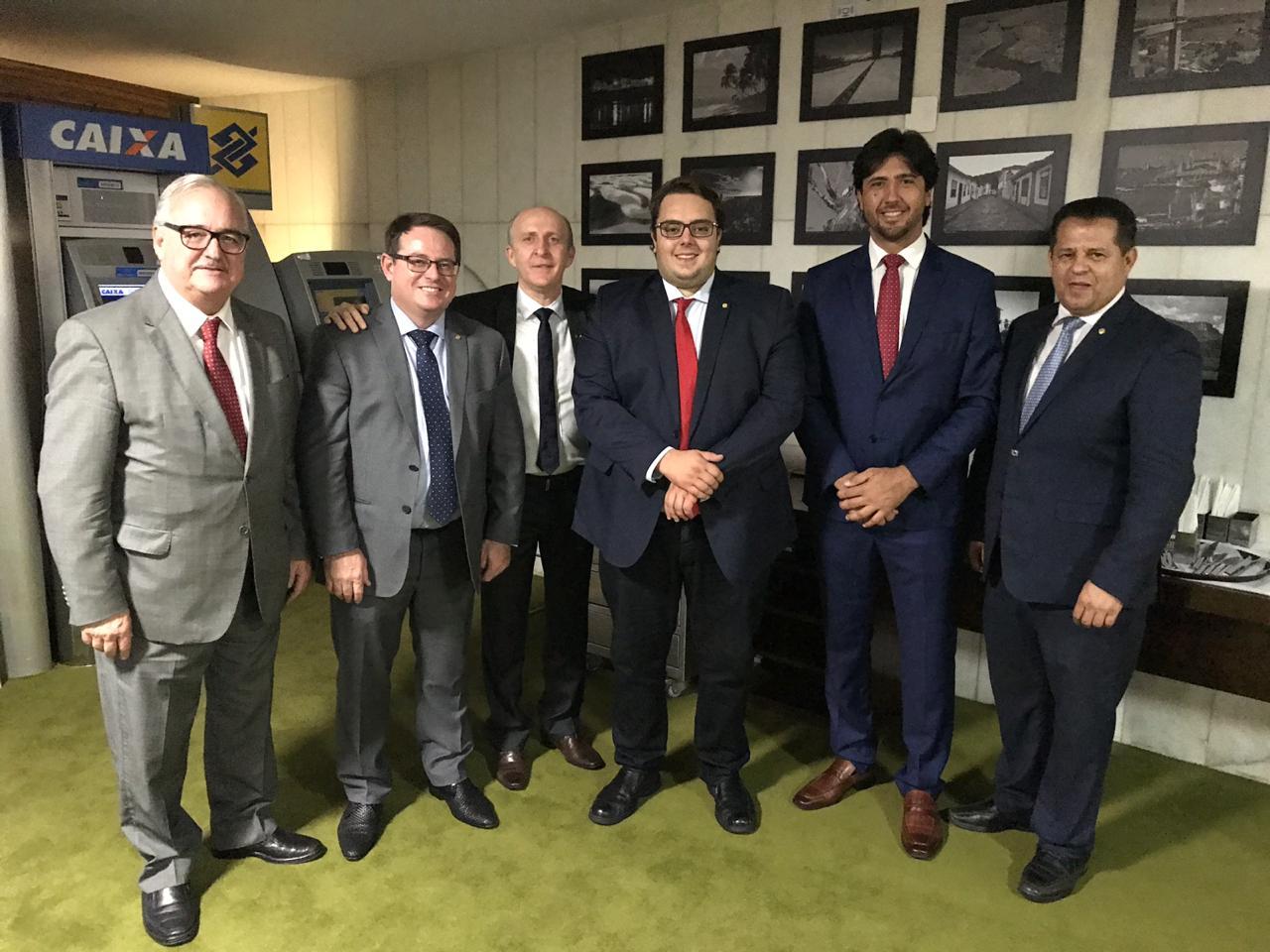 Aroldi trata de proposta de unificação de mandatos com relator e presidente da CCJ na Câmara
