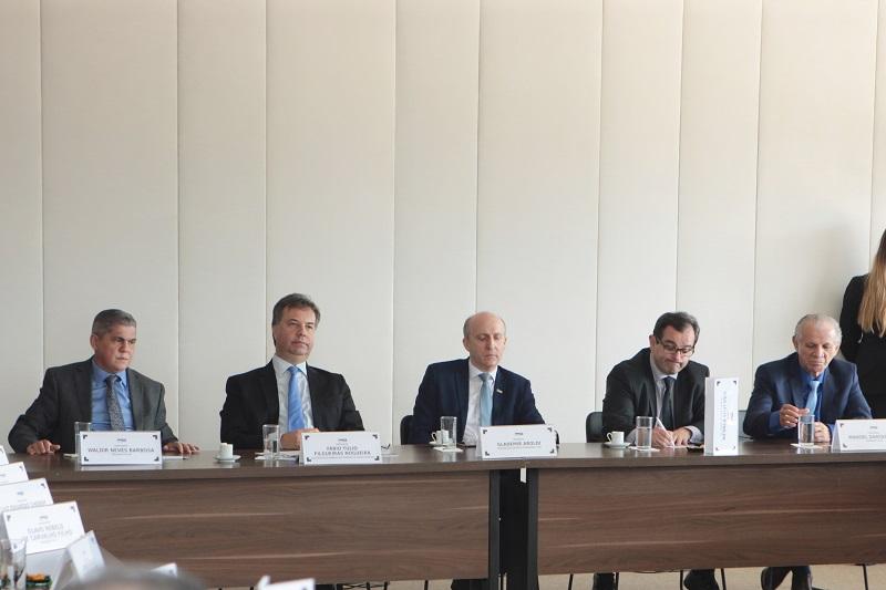 No STF, Aroldi reforça urgência em concluir obras paradas e garante apoio da CNM