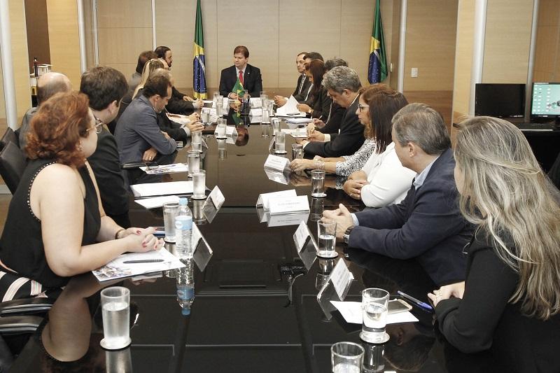 Ministro do Desenvolvimento Regional recebe pleitos dos consórcios e destaca parceria