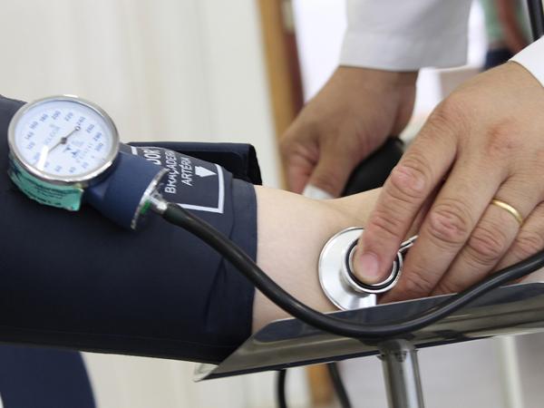 Acolhimento de médicos formados no exterior nos Municípios foi antecipado, atuação começa em março