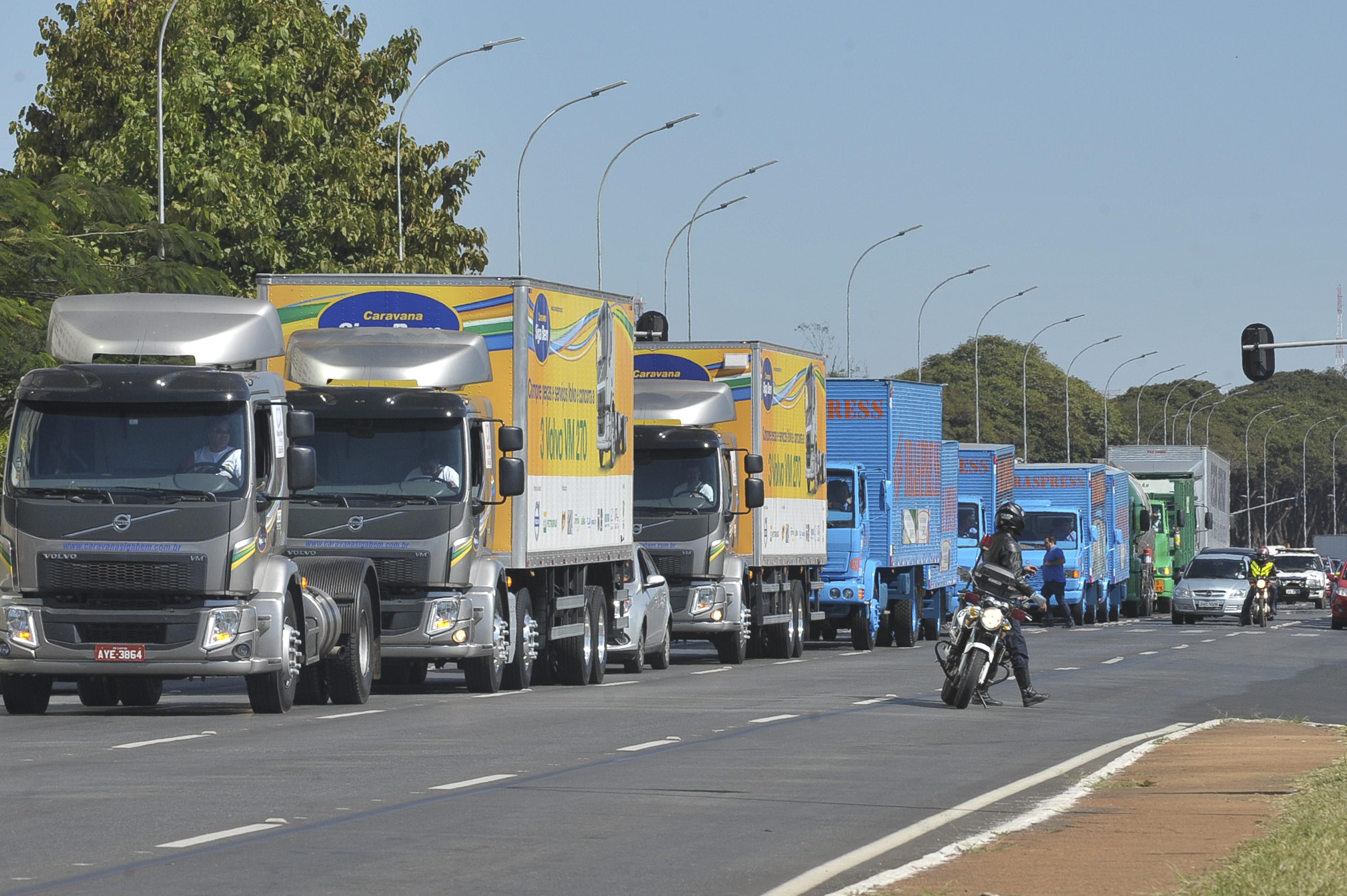 Política Nacional de Transporte Rodoviário de Combustíveis tramita na Câmara