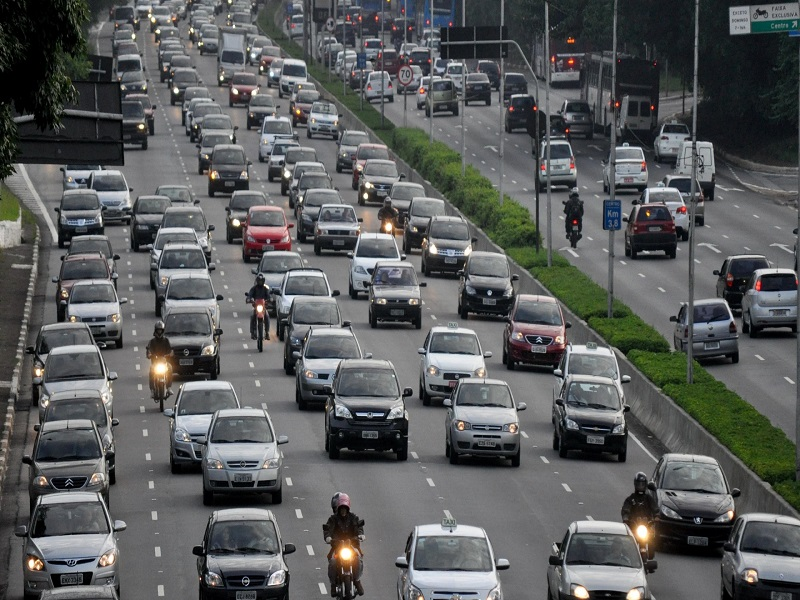 Plenário vai analisar mudanças em projeto que regulamenta aplicativos de transporte