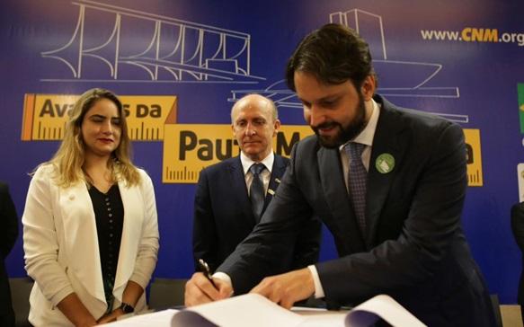 Municípios terão apoio da CNM e do Ministério das Cidades na elaboração dos planos de mobilidade
