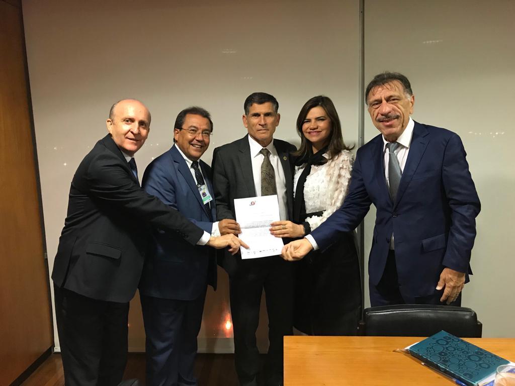 Aroldi discute avanço de demandas municipais em reuniões com ministro Santos Cruz e relator da reforma da Previdência
